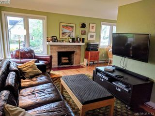 Photo 4: 2528 Forbes Street in VICTORIA: Vi Oaklands Single Family Detached for sale (Victoria)  : MLS®# 387173