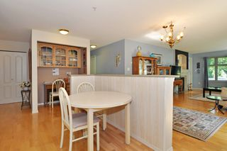 "Photo 9: 104 15220 GUILDFORD Drive in Surrey: Guildford Condo for sale in ""BOULEVARD CLUB"" (North Surrey)  : MLS®# R2271366"