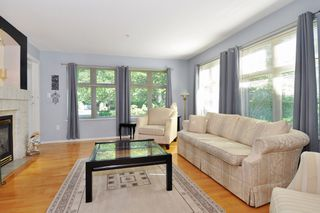 "Photo 3: 104 15220 GUILDFORD Drive in Surrey: Guildford Condo for sale in ""BOULEVARD CLUB"" (North Surrey)  : MLS®# R2271366"