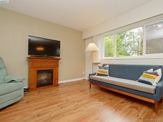 Photo 3: 105 415 Linden Avenue in VICTORIA: Vi Fairfield West Condo Apartment for sale (Victoria)  : MLS®# 394191