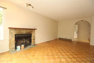 Photo 4: 1 270 E 3RD Street in North Vancouver: Lower Lonsdale Townhouse for sale : MLS®# R2301091