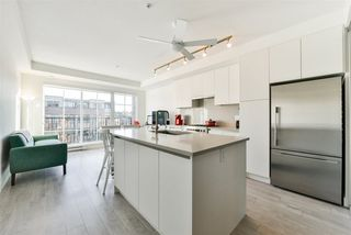 "Photo 3: 305 2141 E HASTINGS Street in Vancouver: Hastings Condo for sale in ""THE OXFORD"" (Vancouver East)  : MLS®# R2323632"