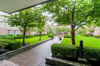 """Photo 5: 401 5430 201 Street in Langley: Langley City Condo for sale in """"Sonnet"""" : MLS®# R2325455"""
