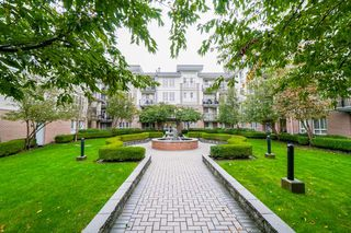 """Photo 2: 401 5430 201 Street in Langley: Langley City Condo for sale in """"Sonnet"""" : MLS®# R2325455"""