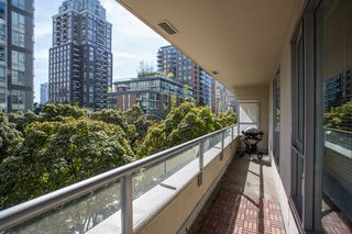 "Photo 13: 304 1001 RICHARDS Street in Vancouver: Downtown VW Condo for sale in ""MIRO"" (Vancouver West)  : MLS®# R2326363"