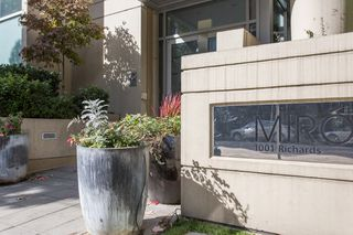 "Photo 1: 304 1001 RICHARDS Street in Vancouver: Downtown VW Condo for sale in ""MIRO"" (Vancouver West)  : MLS®# R2326363"