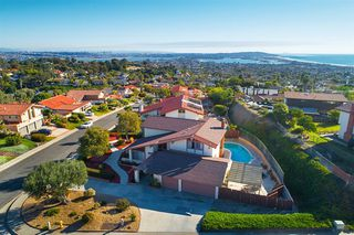 Main Photo: PACIFIC BEACH House for sale : 5 bedrooms : 1441 Sandal Lane in San Diego