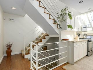 Photo 7: 1735 LARCH Street in Vancouver: Kitsilano Townhouse for sale (Vancouver West)  : MLS®# R2330444