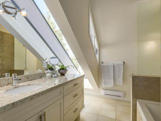 Photo 11: 1735 LARCH Street in Vancouver: Kitsilano Townhouse for sale (Vancouver West)  : MLS®# R2330444