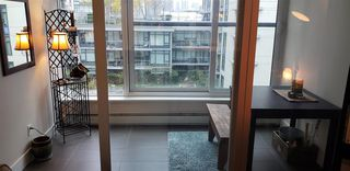 """Photo 9: 718 159 W 2ND Avenue in Vancouver: False Creek Condo for sale in """"Tower Green At West"""" (Vancouver West)  : MLS®# R2336670"""