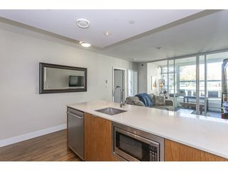 """Photo 5: 718 159 W 2ND Avenue in Vancouver: False Creek Condo for sale in """"Tower Green At West"""" (Vancouver West)  : MLS®# R2336670"""