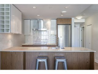 """Photo 3: 718 159 W 2ND Avenue in Vancouver: False Creek Condo for sale in """"Tower Green At West"""" (Vancouver West)  : MLS®# R2336670"""
