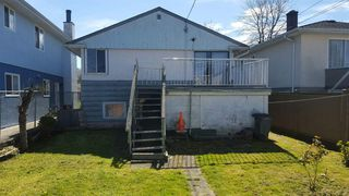 Photo 3: 765 E 39TH Avenue in Vancouver: Fraser VE House for sale (Vancouver East)  : MLS®# R2338426