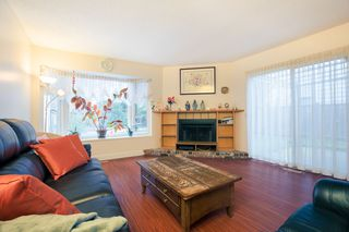 Photo 3: 6933 ARLINGTON Street in Vancouver: Killarney VE House 1/2 Duplex for sale (Vancouver East)  : MLS®# R2344579