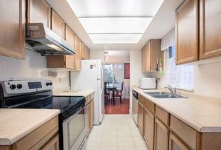 Photo 5: 6933 ARLINGTON Street in Vancouver: Killarney VE 1/2 Duplex for sale (Vancouver East)  : MLS®# R2344579