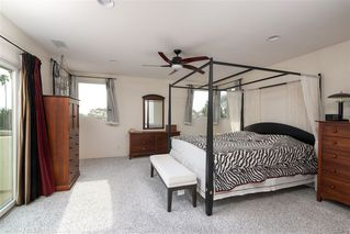 Photo 12: PACIFIC BEACH House for sale : 4 bedrooms : 1426 Loring St in San Diego