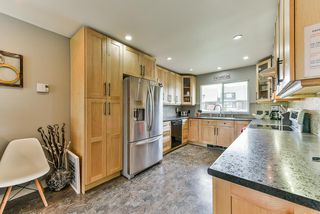 Photo 2: 5310 198A Street in Langley: Langley City House 1/2 Duplex for sale : MLS®# R2360468