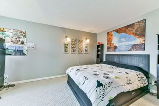 Photo 11: 5310 198A Street in Langley: Langley City House 1/2 Duplex for sale : MLS®# R2360468
