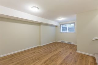 "Photo 15: 1570 BOWSER Avenue in North Vancouver: Norgate Townhouse for sale in ""Illahee"" : MLS®# R2363126"
