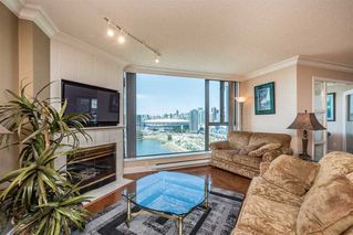 Photo 3: 2105 1128 QUEBEC STREET in Vancouver East: Home for sale : MLS®# R2215905