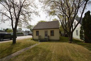 Photo 1: 734 Ebby Avenue in Winnipeg: Crescentwood Residential for sale (1Bw)  : MLS®# 1917251