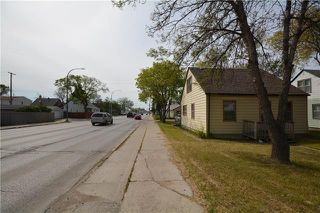 Photo 3: 734 Ebby Avenue in Winnipeg: Crescentwood Residential for sale (1Bw)  : MLS®# 1917251