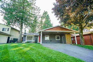 "Photo 1: 5901 ABERDEEN Street in Surrey: Cloverdale BC House for sale in ""Jersey Hills"" (Cloverdale)  : MLS®# R2383785"