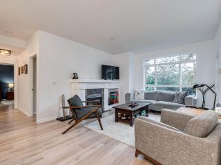 """Photo 2: 23 15 FOREST PARK Way in Port Moody: Heritage Woods PM Townhouse for sale in """"DISCOVERY RIDGE"""" : MLS®# R2411908"""