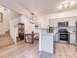 """Photo 6: 23 15 FOREST PARK Way in Port Moody: Heritage Woods PM Townhouse for sale in """"DISCOVERY RIDGE"""" : MLS®# R2411908"""