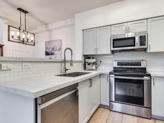 """Photo 9: 23 15 FOREST PARK Way in Port Moody: Heritage Woods PM Townhouse for sale in """"DISCOVERY RIDGE"""" : MLS®# R2411908"""