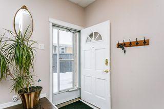 Photo 2: 2627 83 Street NW in Edmonton: Zone 29 House for sale : MLS®# E4189408