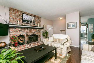 Photo 4: 2627 83 Street NW in Edmonton: Zone 29 House for sale : MLS®# E4189408