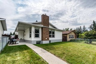 Main Photo: 2707 DOVERBROOK Road SE in Calgary: Dover Detached for sale : MLS®# A1022605