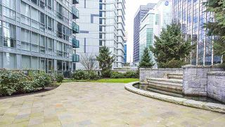 """Photo 16: 3403 1189 MELVILLE Street in Vancouver: Coal Harbour Condo for sale in """"The Melville"""" (Vancouver West)  : MLS®# R2507728"""