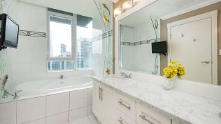 """Photo 11: 3403 1189 MELVILLE Street in Vancouver: Coal Harbour Condo for sale in """"The Melville"""" (Vancouver West)  : MLS®# R2507728"""