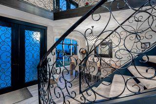 Photo 2: 813 QUADLING AVENUE in Coquitlam: Coquitlam West House for sale : MLS®# R2509525