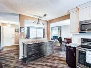 Photo 2: 6319 Thornaby Way NW in Calgary: Thorncliffe Detached for sale : MLS®# A1058595