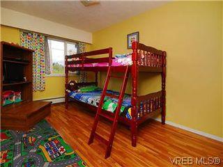 Photo 12: 386 W Burnside Rd in VICTORIA: SW Tillicum Row/Townhouse for sale (Saanich West)  : MLS®# 571261