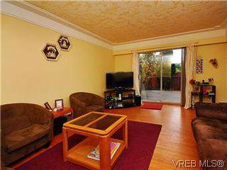 Photo 5: 386 W Burnside Rd in VICTORIA: SW Tillicum Row/Townhouse for sale (Saanich West)  : MLS®# 571261
