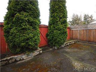 Photo 17: 386 W Burnside Road in VICTORIA: SW Tillicum Townhouse for sale (Saanich West)  : MLS®# 293157