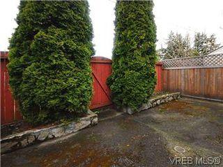 Photo 17: 386 W Burnside Rd in VICTORIA: SW Tillicum Row/Townhouse for sale (Saanich West)  : MLS®# 571261
