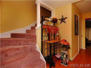 Photo 15: 386 W Burnside Rd in VICTORIA: SW Tillicum Row/Townhouse for sale (Saanich West)  : MLS®# 571261