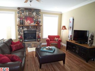 """Photo 3: 4050 CHANNEL Street in Abbotsford: Abbotsford East House for sale in """"Clayburn Views/Sandy Hill"""" : MLS®# F1119493"""