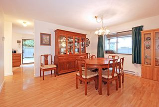 "Photo 6: 3204 DUNKIRK Avenue in Coquitlam: New Horizons House for sale in ""NEW HORIZONS"" : MLS®# V925778"