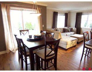 Photo 3: 110 19366 65 Avenue in Surrey: Clayton Condo for sale (Cloverdale)  : MLS®# F2706667