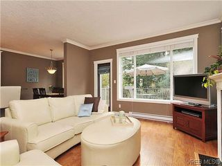 Photo 3: 969 Cavalcade Terr in VICTORIA: La Florence Lake House for sale (Langford)  : MLS®# 622566