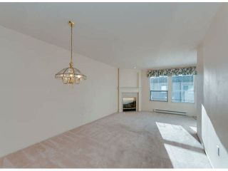 """Photo 2: 304 1575 BEST Street: White Rock Condo for sale in """"Embassy"""" (South Surrey White Rock)  : MLS®# F1400097"""
