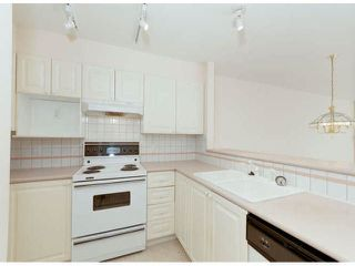 """Photo 5: 304 1575 BEST Street: White Rock Condo for sale in """"Embassy"""" (South Surrey White Rock)  : MLS®# F1400097"""