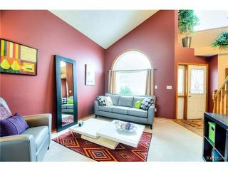 Photo 4: 73 Branson Crescent in WINNIPEG: Fort Garry / Whyte Ridge / St Norbert Residential for sale (South Winnipeg)  : MLS®# 1501009