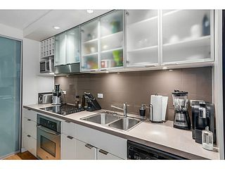 "Photo 7: 515 168 POWELL Street in Vancouver: Downtown VE Condo for sale in ""THE SMART"" (Vancouver East)  : MLS®# V1105098"